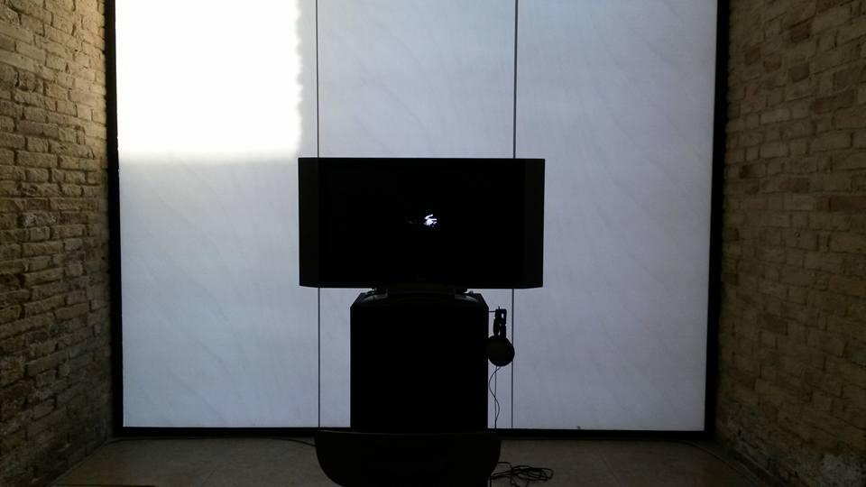 Video/sound installation by Enzo Cillo